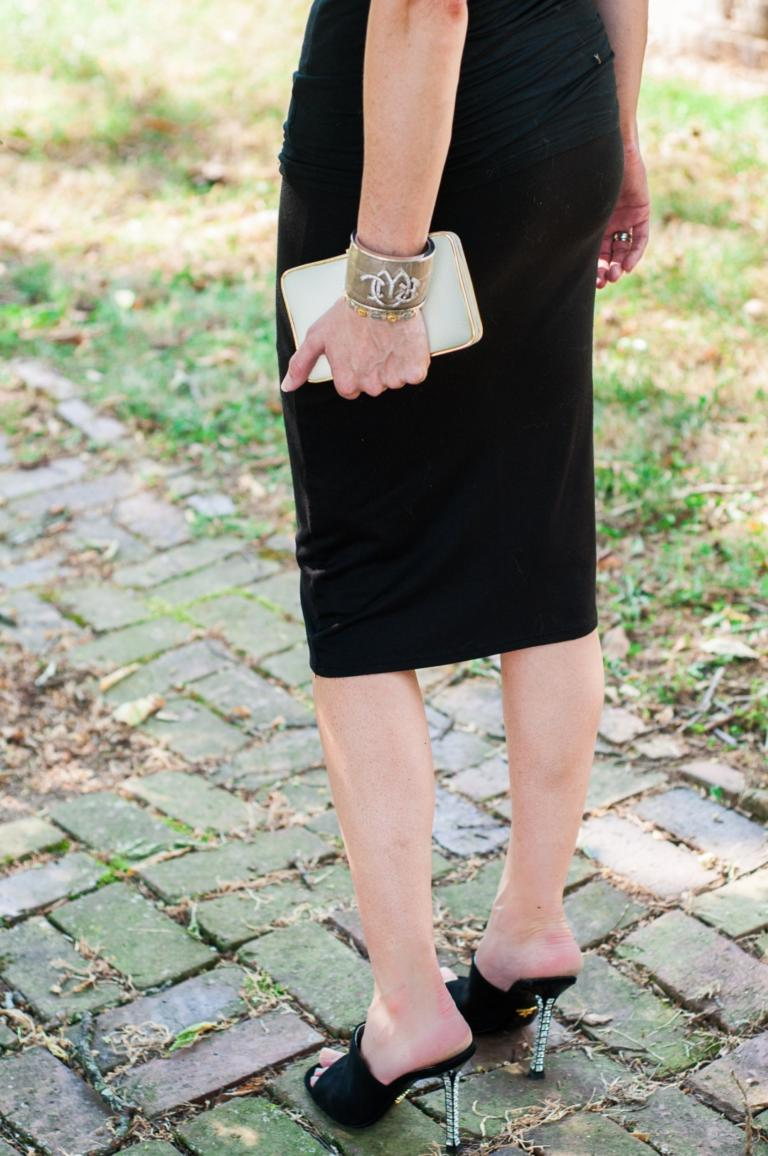 How To Wear A Midi Skirt In A Non-Sister Wives Way