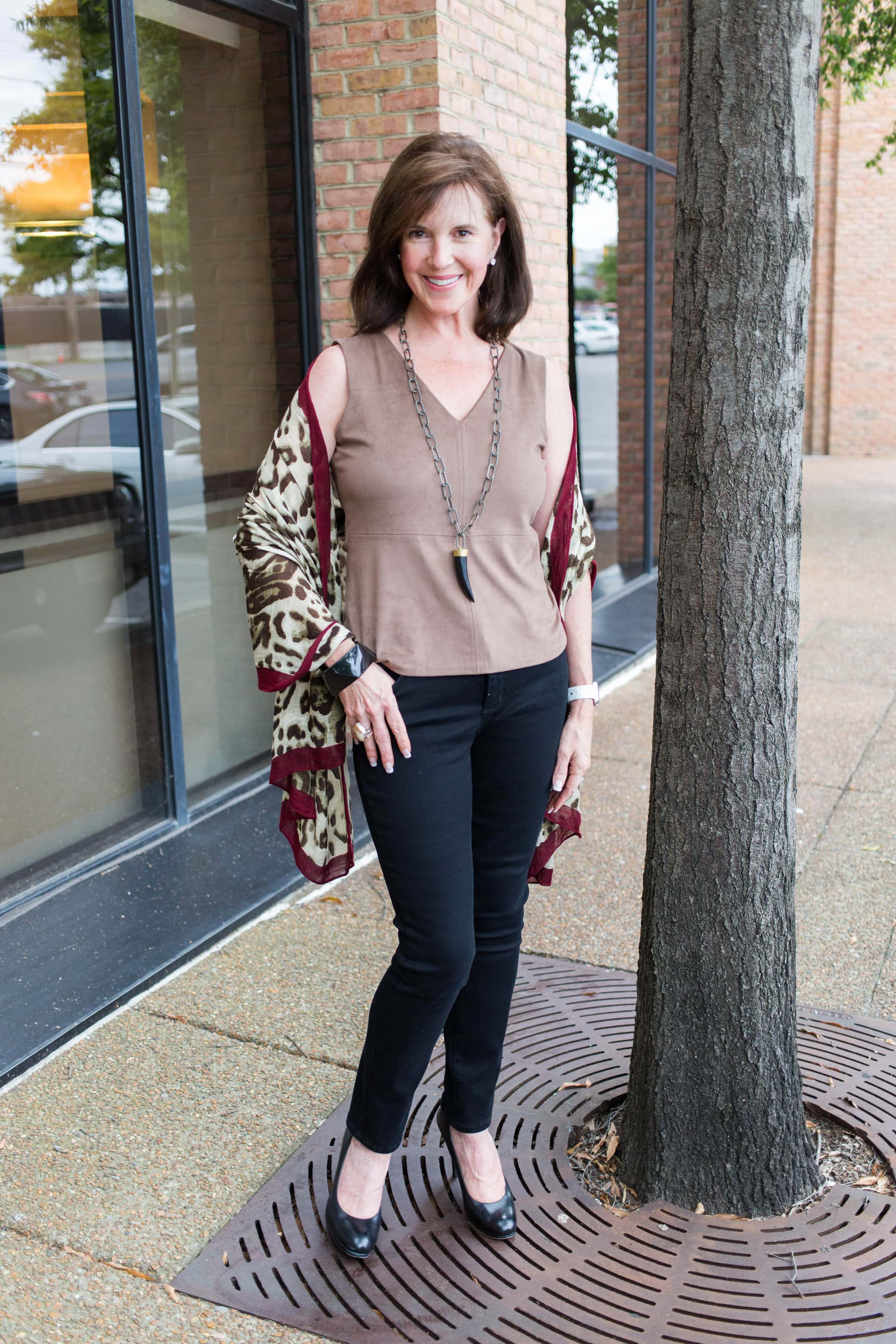 3e1309999db How to Wear Black Bootcut and Skinny Jeans - YourStyleVault.com