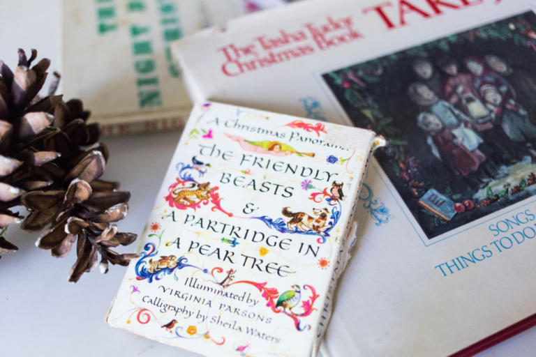 My Favorite Holiday Books - The Stylish Girl's Easy Guide to the Holidays - Day 11