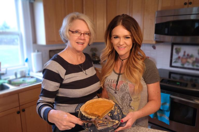 Deidre's Famous Pumpkin Chiffon Pie - The Stylish Girl's Easy Guide to the Holidays - Day 22