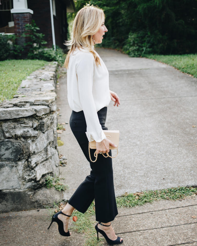 Your Guide To (the still trending yet difficult to wear) Cropped Flare Jeans